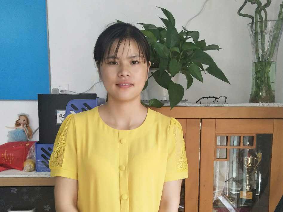 上海考高级月嫂证杨阿姨